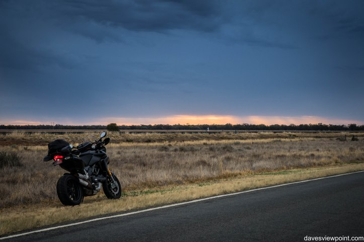 Outback NSW trip and Sydney Moto Group Meets 325